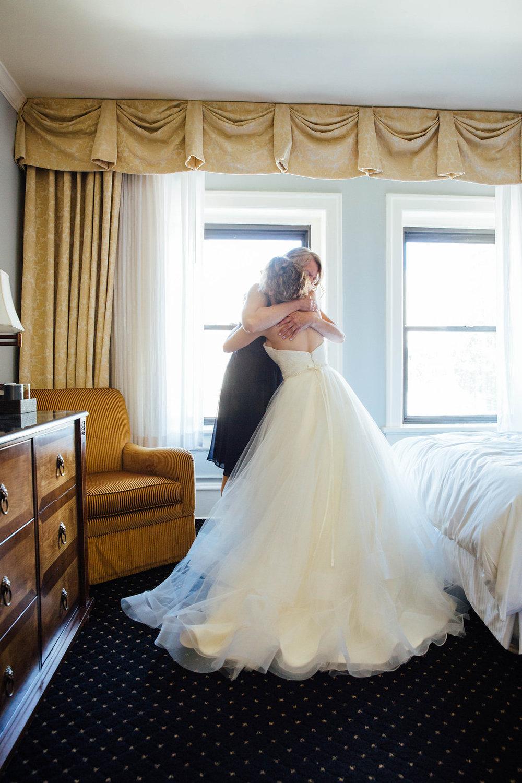 Nissa+Jesse_Wedding_Seattle_SoleRepairShop_6252015_20.jpg
