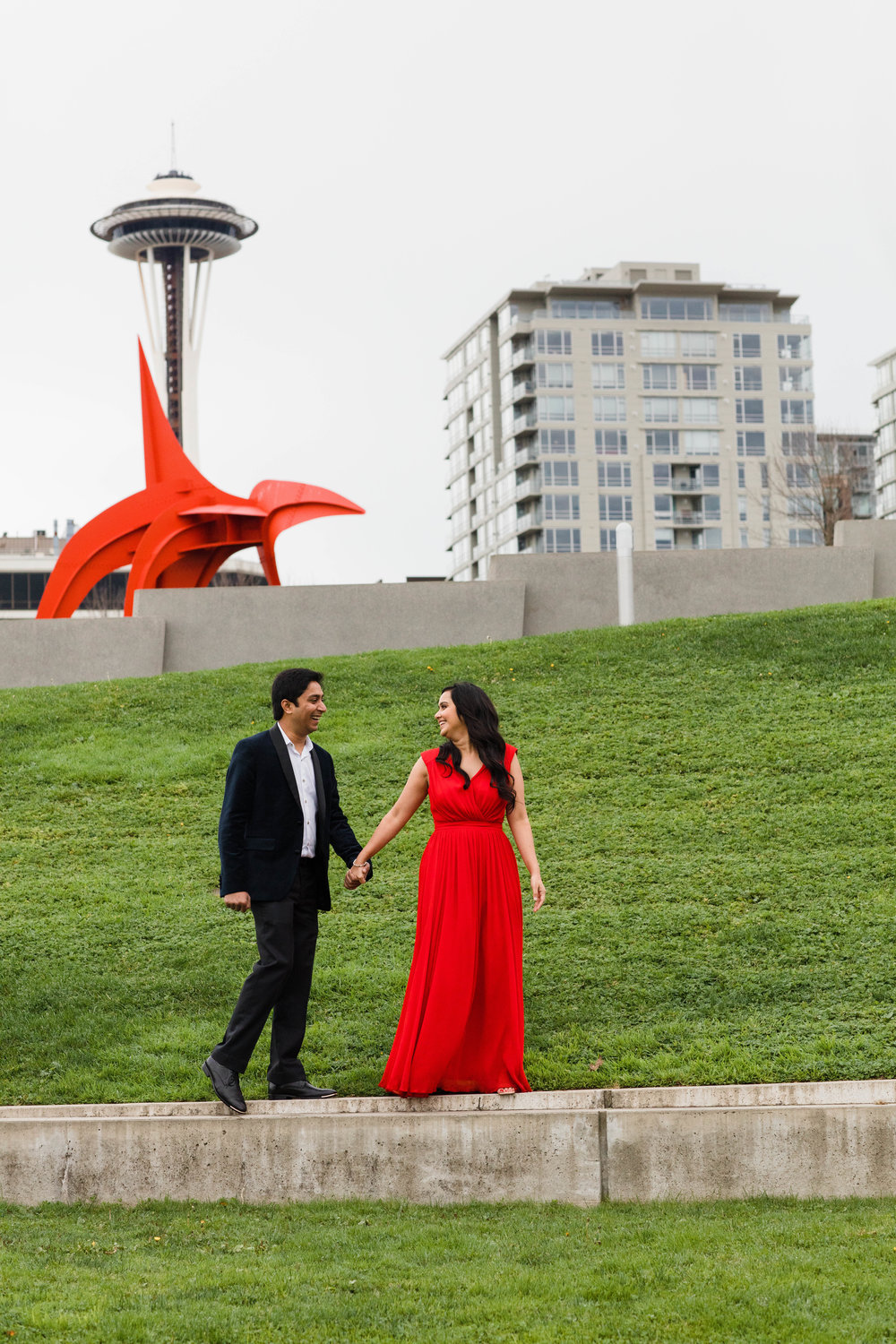 Sushat+Nancy_Engagement_Pioneer+Square_Sculpture+Park_Seattle_Oct2016_APW363.jpg