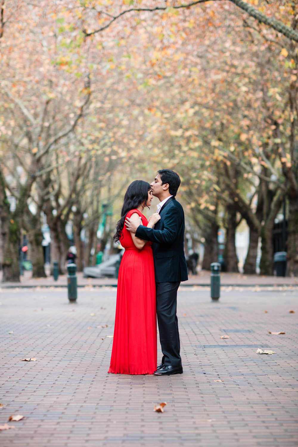Sushat+Nancy_Engagement_Pioneer+Square_Sculpture+Park_Seattle_Oct2016_APW209.jpg