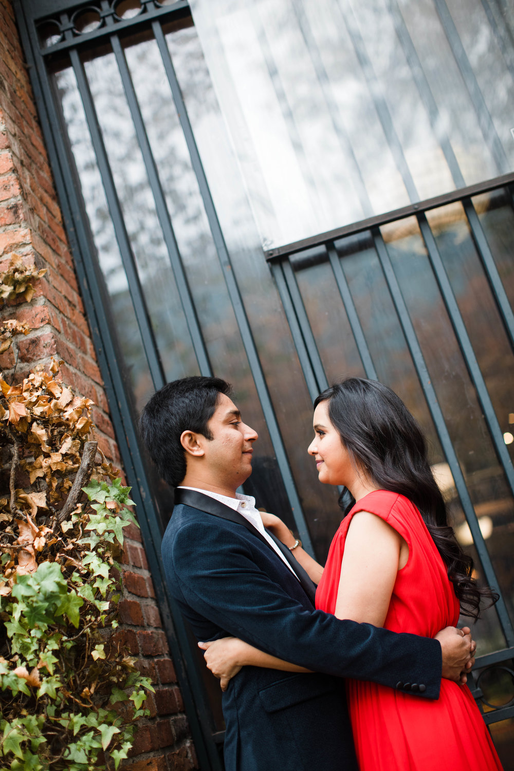 Sushat+Nancy_Engagement_Pioneer+Square_Sculpture+Park_Seattle_Oct2016_APW24.jpg