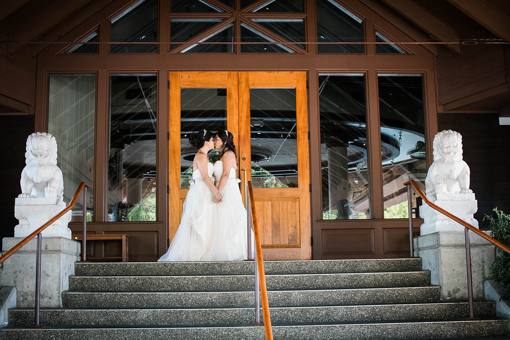 palisades-restaurant-wedding-gay-seattle-by-Seattle-Wedding-Photographer-Adina-Preston-51.JPG