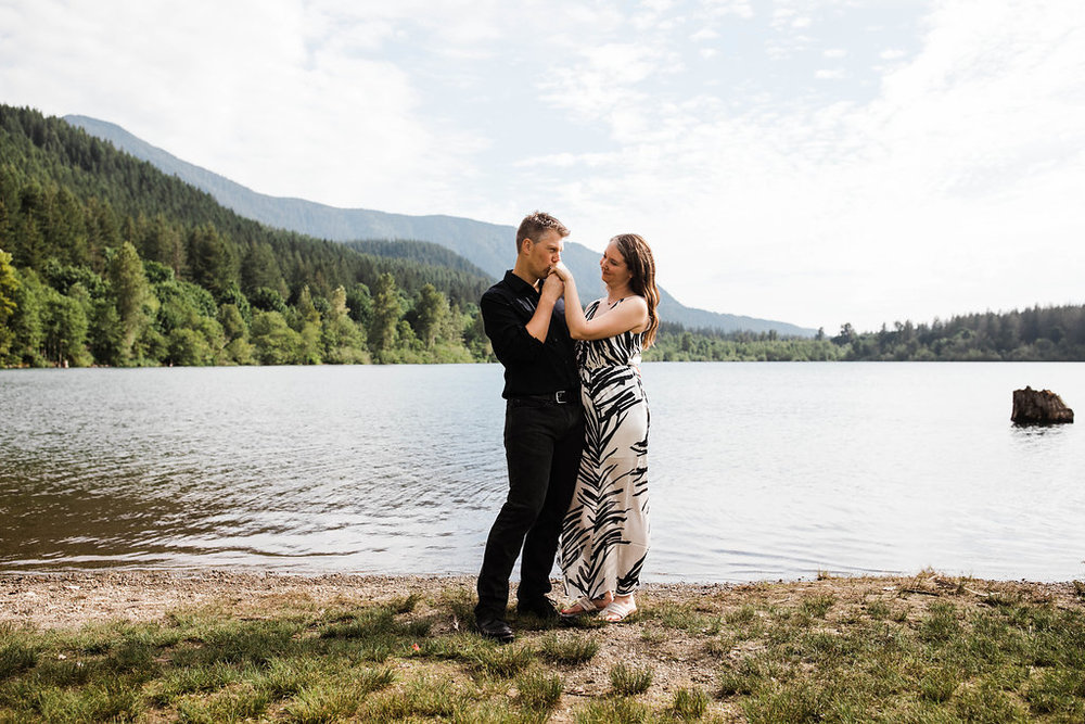 Eivind+Elyse_Engagement_Rattlesnake_lake_ridge_Seattle_Photographer_Adina_Preston_Weddings_27.JPG