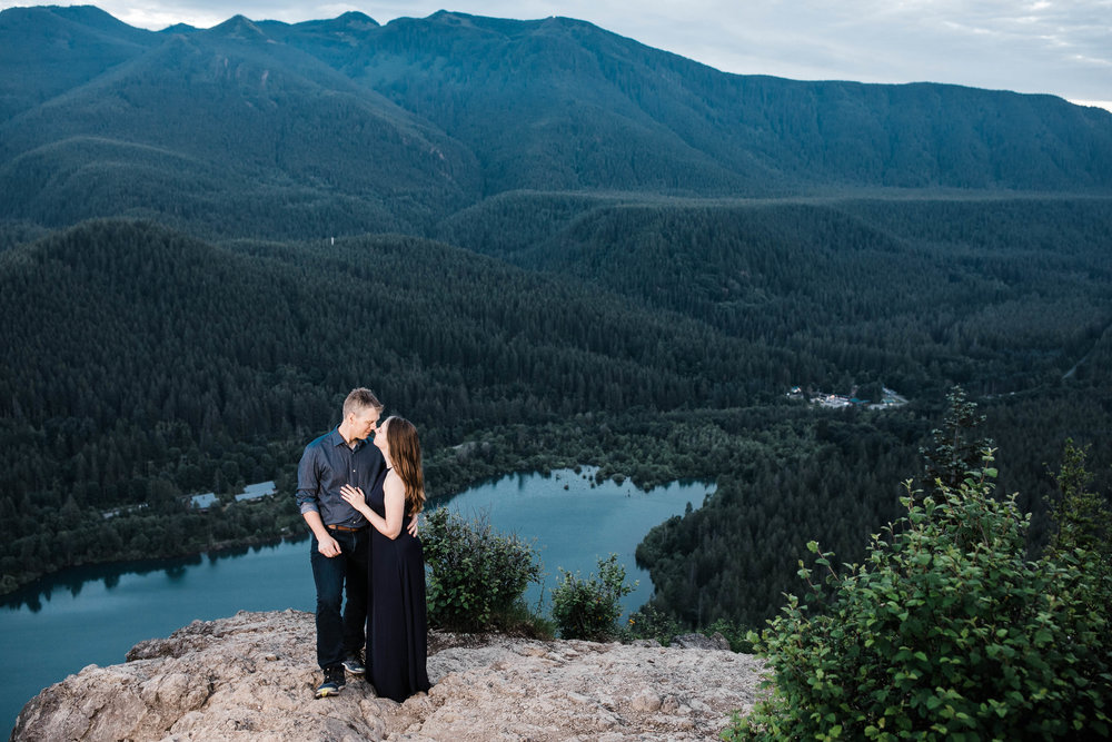 Eivind+Elyse_Engagement_Rattlesnake_lake_ridge_Seattle_Photographer_Adina_Preston_Weddings_242.JPG