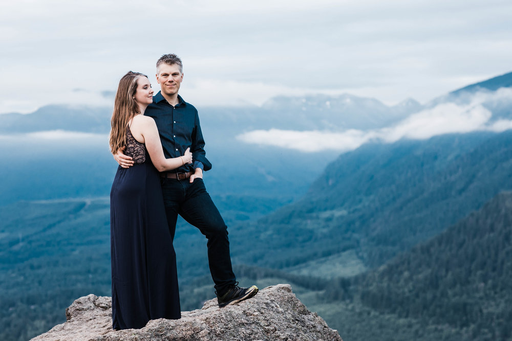 Eivind+Elyse_Engagement_Rattlesnake_lake_ridge_Seattle_Photographer_Adina_Preston_Weddings_212.JPG