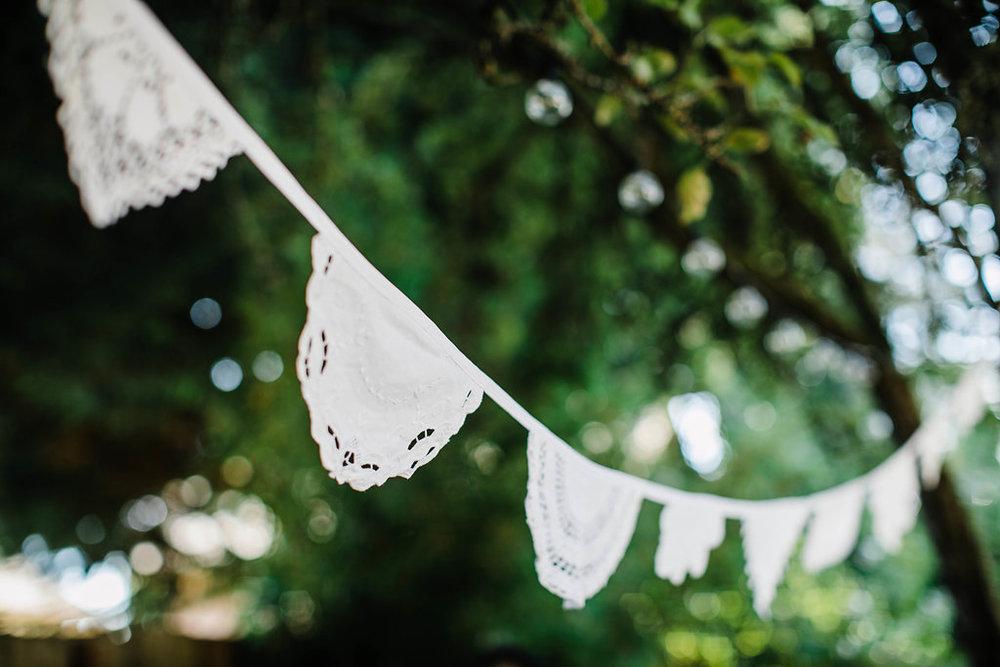 seattle weddingphotographer- seattle backyard wedding photosby seattle wedding photographer adina preston