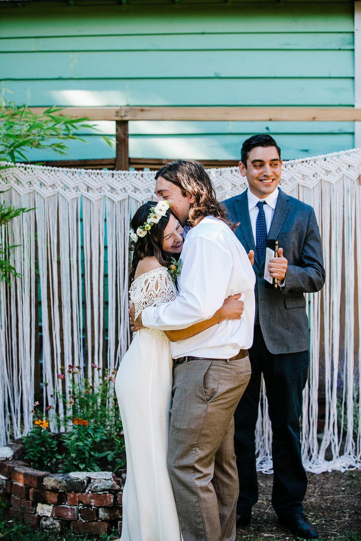 seattle backyard weddingphotographer- seattle backyard ceremony photosby seattle wedding photographer adina preston