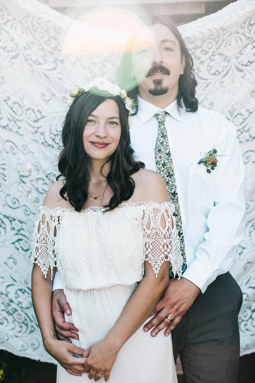seattle backyard weddingphotographer- seattle backyard wedding photosby seattle wedding photographer adina preston