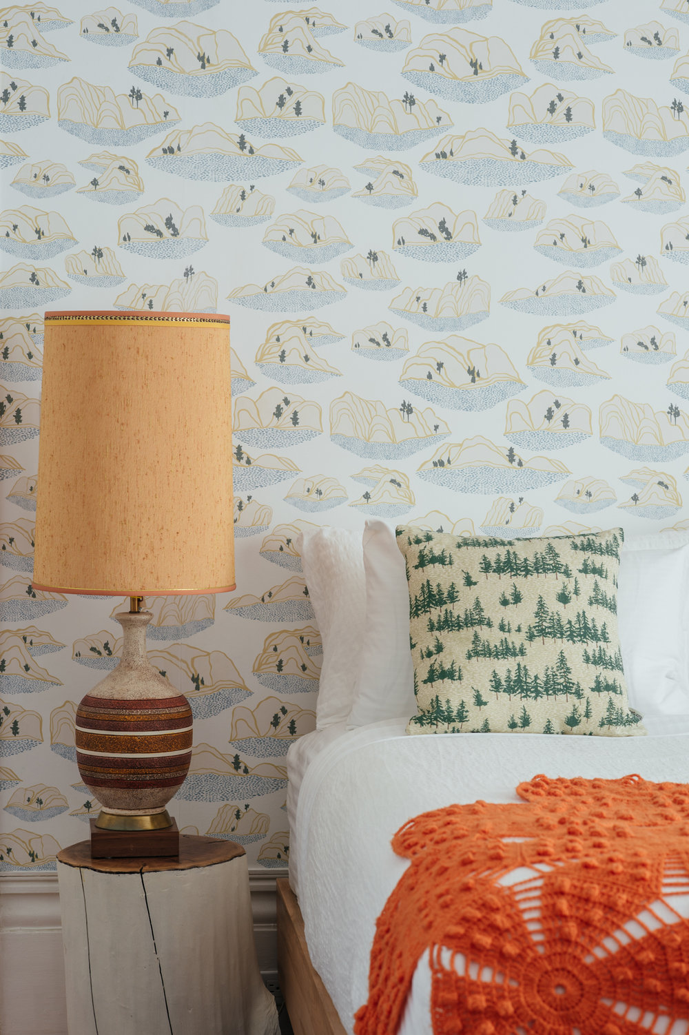 Kate Golding Sand Dunes wallpaper // Modern wallcoverings and interior decor.