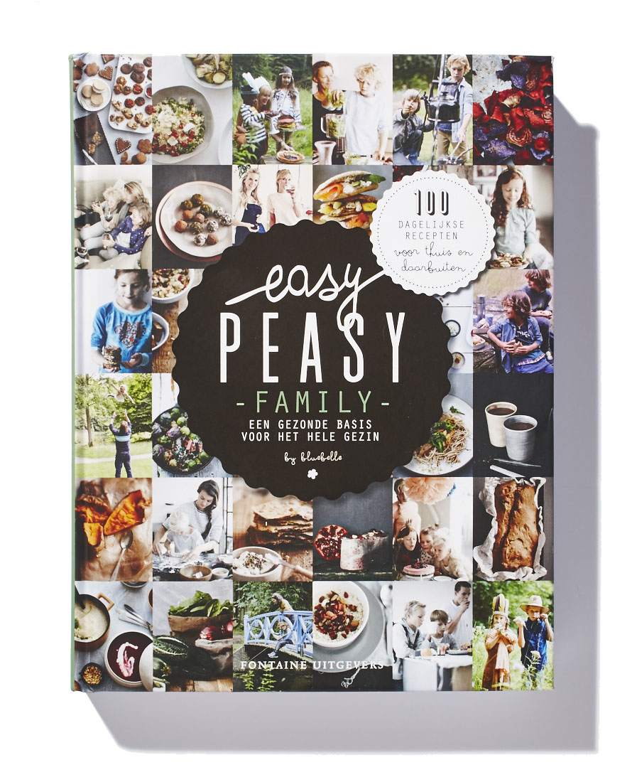 Easy Peasy Family, door Claire van den Heuvel en Vera van Haren. De nieuwe Easy Peasy Family,over lekker, gezond eten en verantwoorde keuzes. EASY PEASY FAMILY! Waar het eerste deel een gezonde basis gaf voor de allerkleinsten, gaat dit boek verder met een gezonde basis voor het hele gezin. Gemakkelijke thuismaaltijden, ideeën voor de broodtrommel, voedzame snacks om mee te nemen, drankjes, traktaties. Het staat er allemaal in! Ruim 100 recepten, praktische tips en veel informatie over eetgedrag. Kortom een geweldig houvast voor fitte kinderen thuis maar vooral ook 'daarbuiten'.