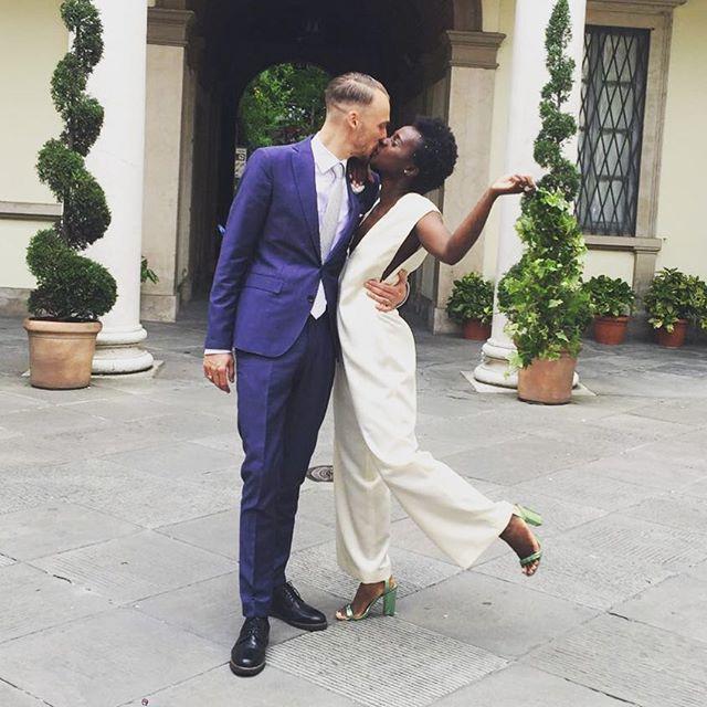 Congratulations 💍💍 | @tempuraa in Histoire D 'E wedding dress  #histoirede #hde #weddingdress #simple #instagram #instawedding