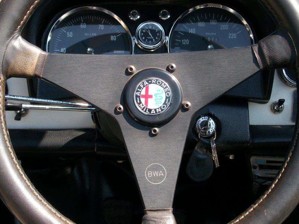 SL in an Alfa Duetto.jpg