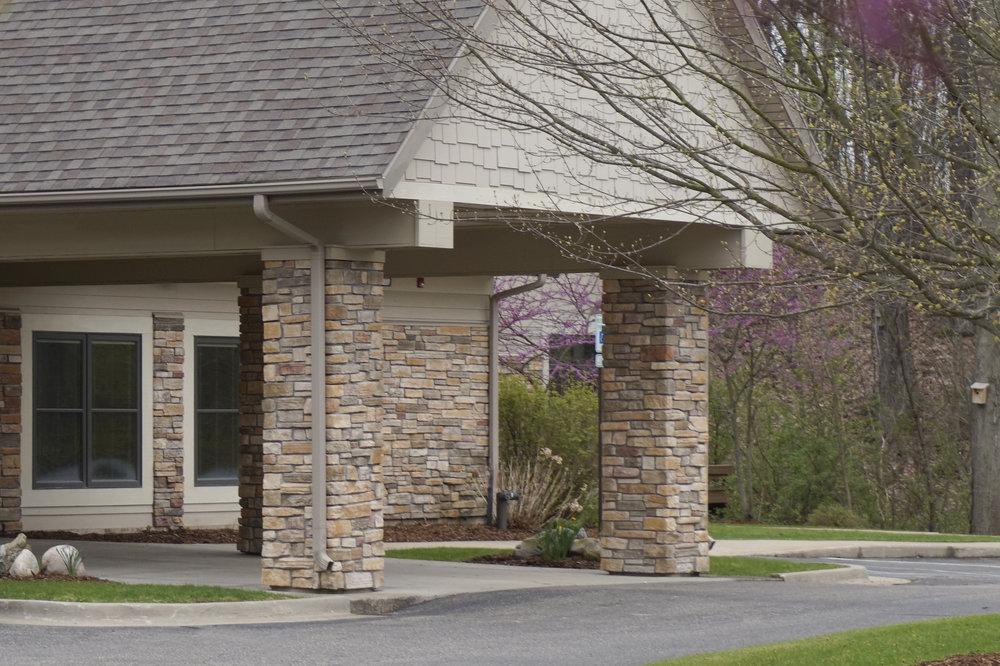 Glenn Arbor Hospice Residence entryway