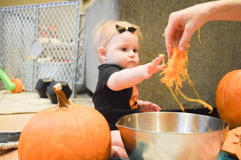 Ava's 1st Halloween - easy pumpkin ideas