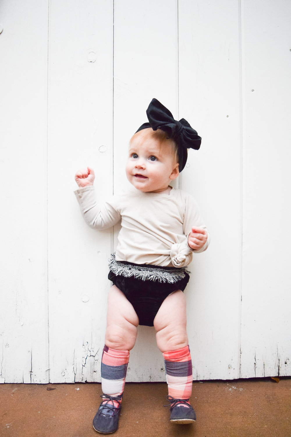 BABY FASHION - knee high plaid babyb socks, velvet baby bloomers with fringe