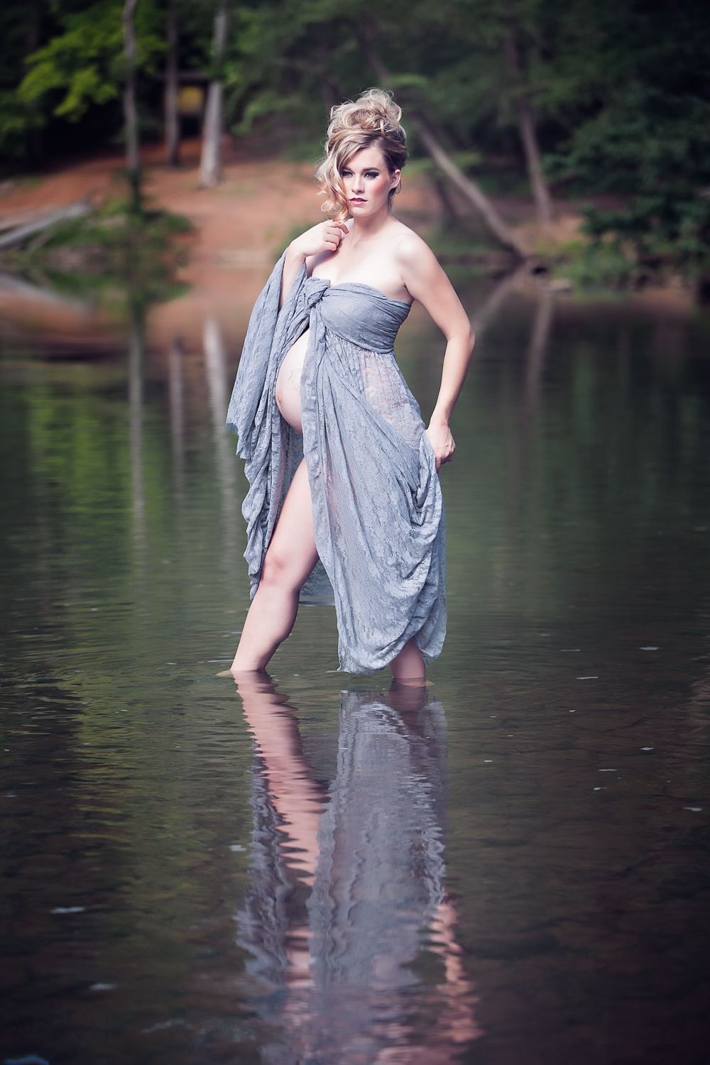 cd93b183f44 Unique Edgy Maternity Photos - Caroline Z Photography - Eno River State Park
