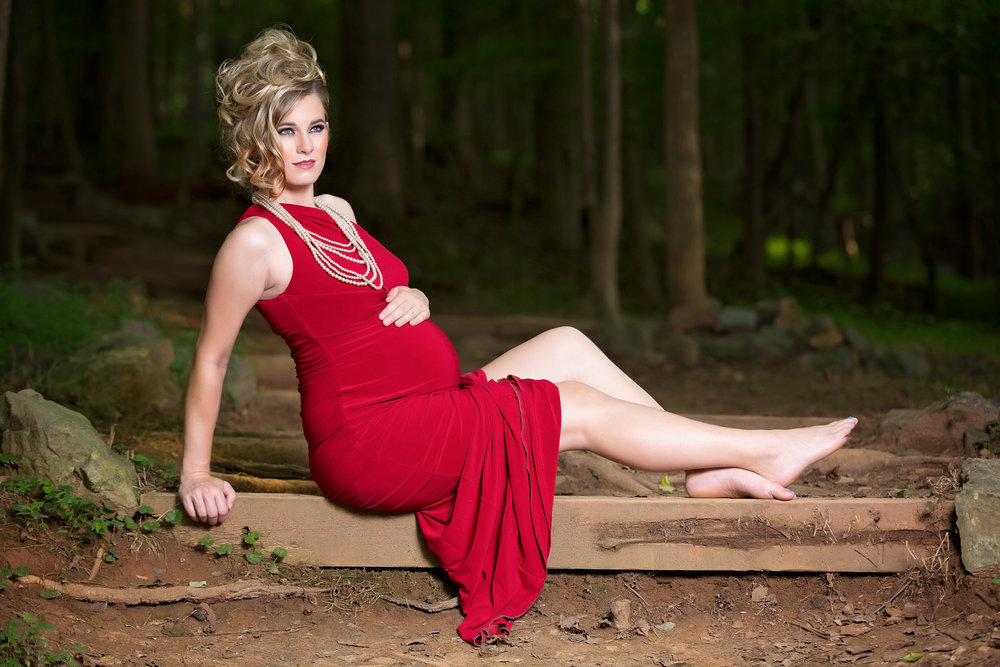 Unique Edgy Maternity Photos - Caroline Z Photography - Eno River State Park