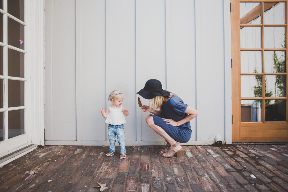 Mom Fashion - Women's Tee Dress + Black Sun Hat