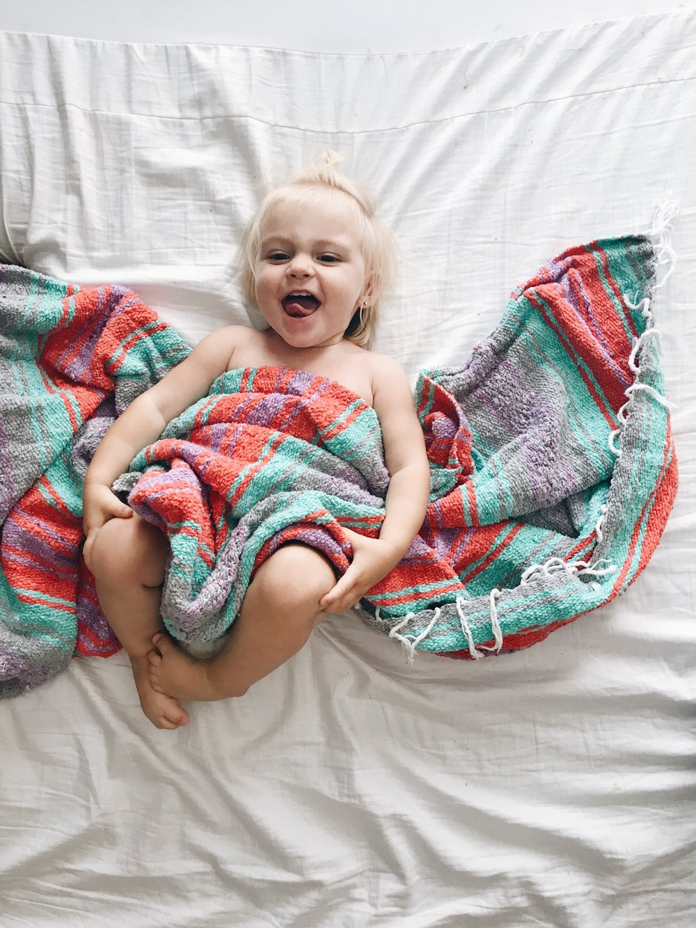 Colorful Falsa Blanket - Summer Must Have Products For Moms