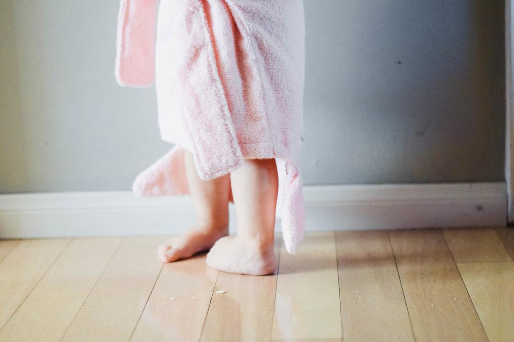 Baby Aspen - Baby-Kids Shark Robe - Kids Shark Towel - BABY GIVEAWAY