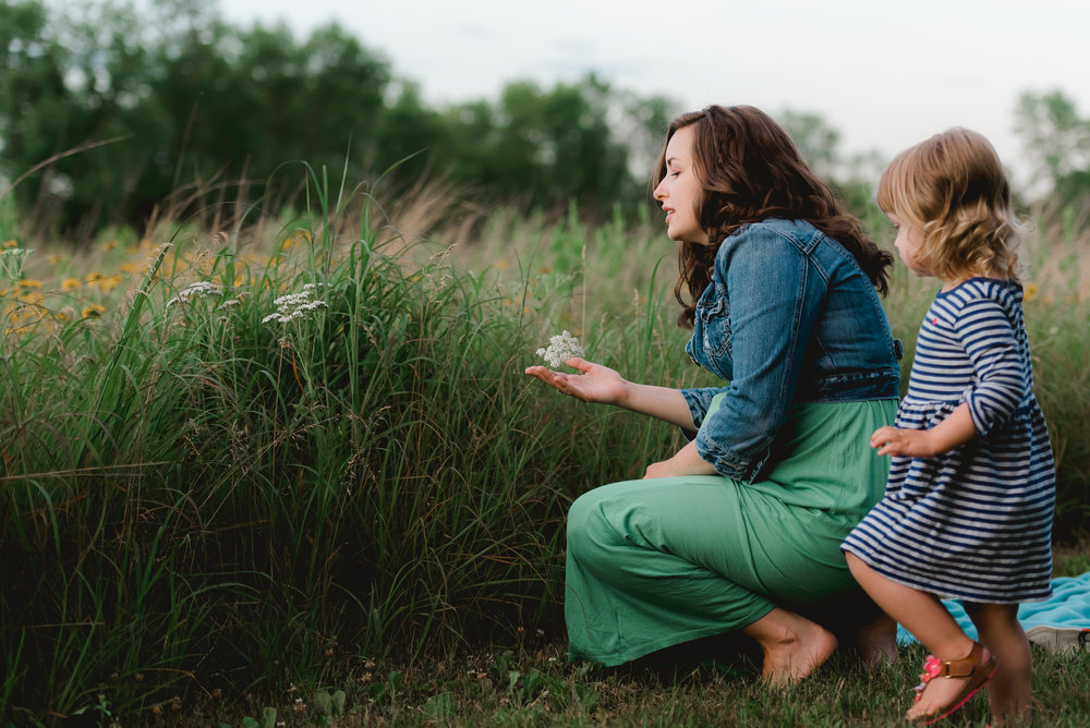 Sunset Park Maternity Photos with 2-year-old big sister - Laura Robinson Photography