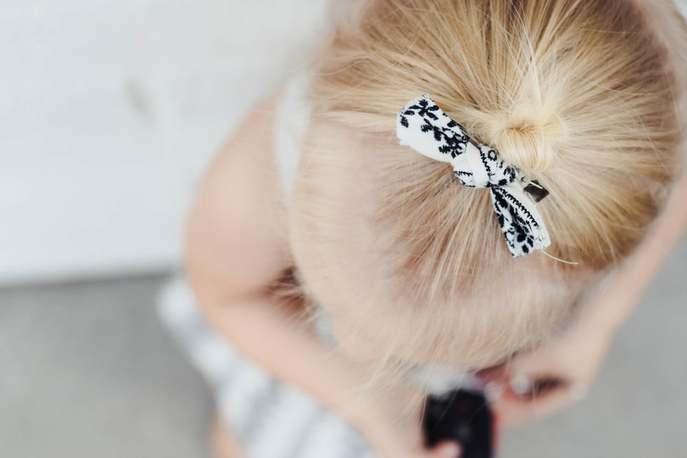 Black + White Baby Bow - Kids Fall Fashion Guide | Nomad Shoppe