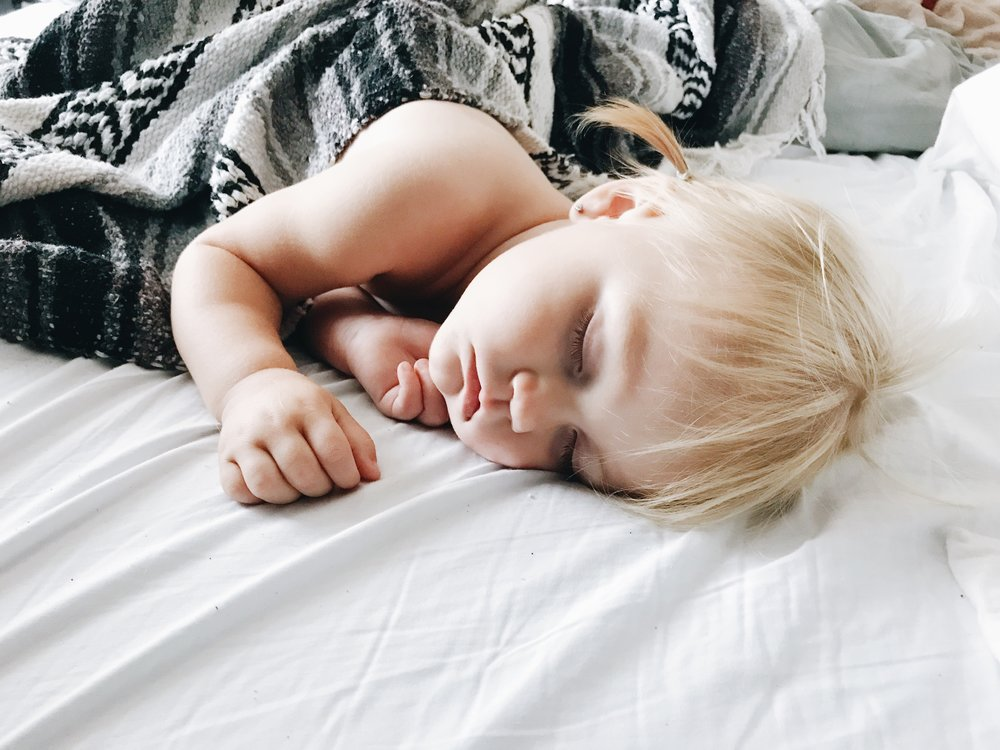 Toddler Sleep Training Tips-Tricks -- Mommy Blogger - The Overwhelmed Mommy