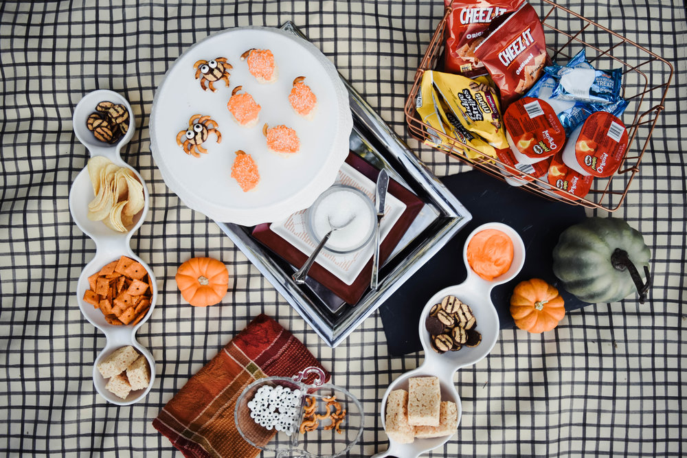 Easy Halloween Snacks For Kids -- Mommy Blog - The Overwhelmed Mommy