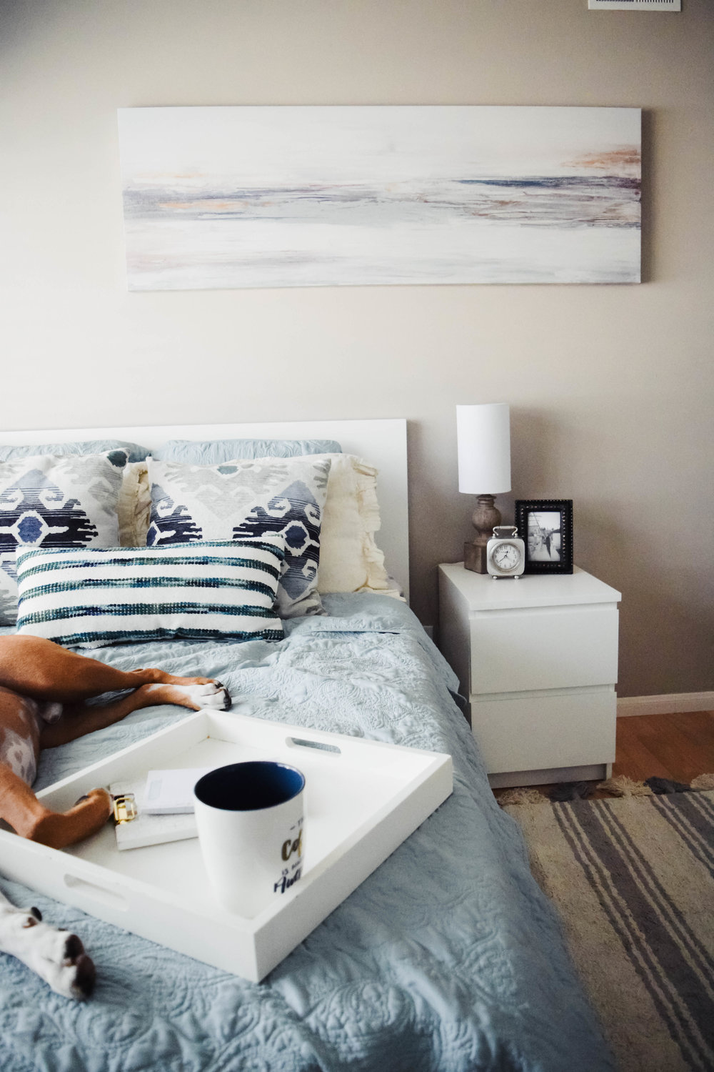 Decorating a small bedroom on a budget -- mommy blogger-vlogger - The Overwhelmed Mommy