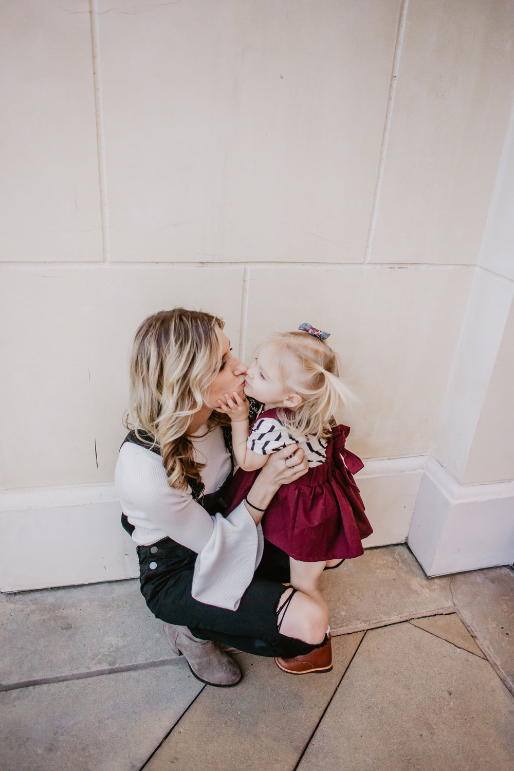The Love Languages for Kids -- Mom + Marriage Daily Devotional -- Mommy Blog - The Overwhelmed Mommy