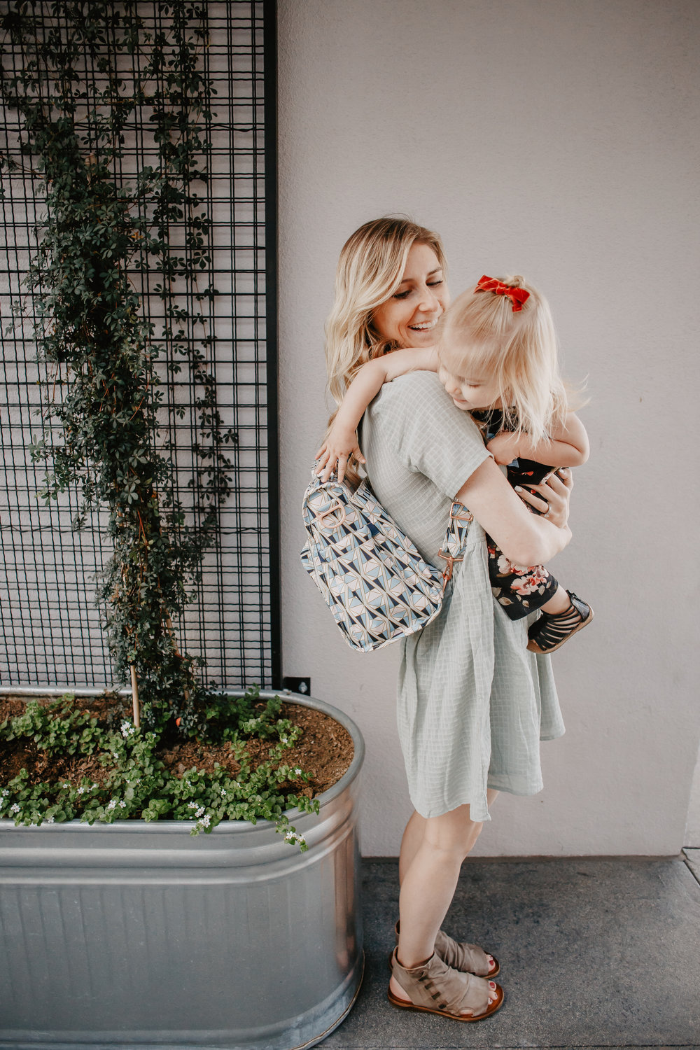 JuJuBe Rose Colored Glass BFF -- JuJuBe Rose Gold Collection - The Overwhelmed Mommy