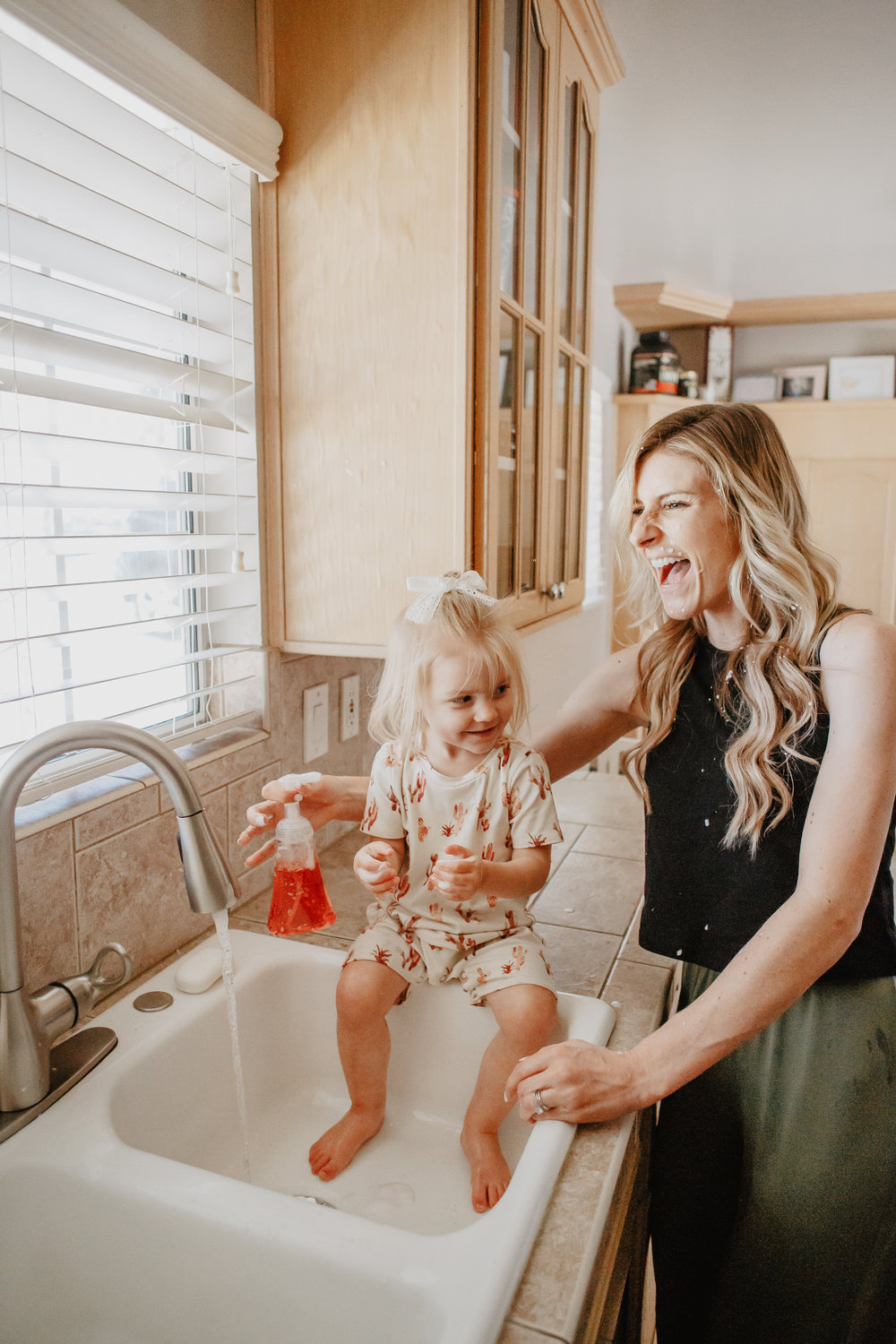 7 Reasons You Should Let Your Kids Get Messy -- Dial Complete® 2 in 1 Foaming Hand Wash -- The Overwhelmed Mommy