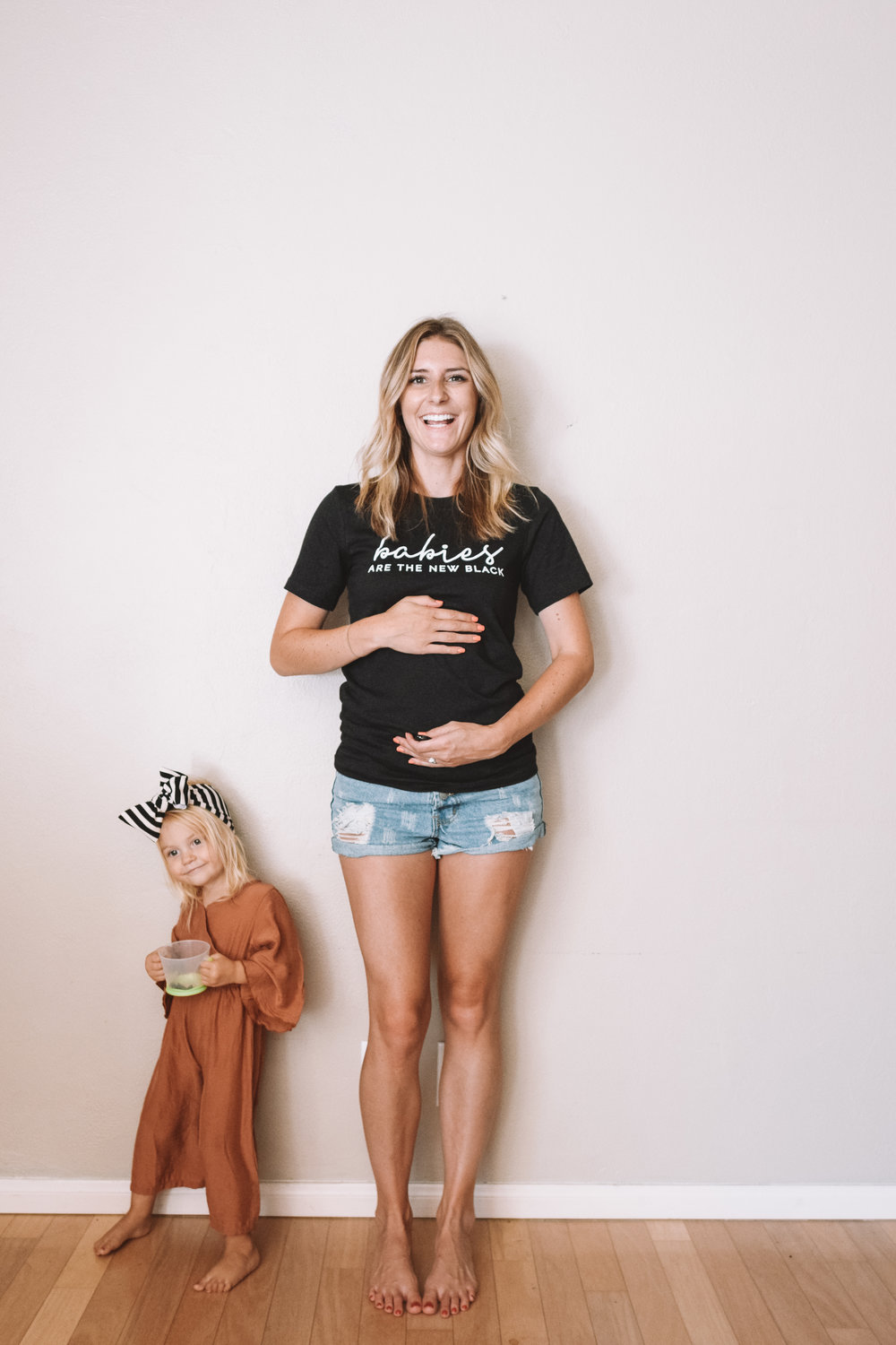 Pregnant Belly Week 10 -- Funny Pregnancy Shirts -- The Overwhelmed Mommy Blogger