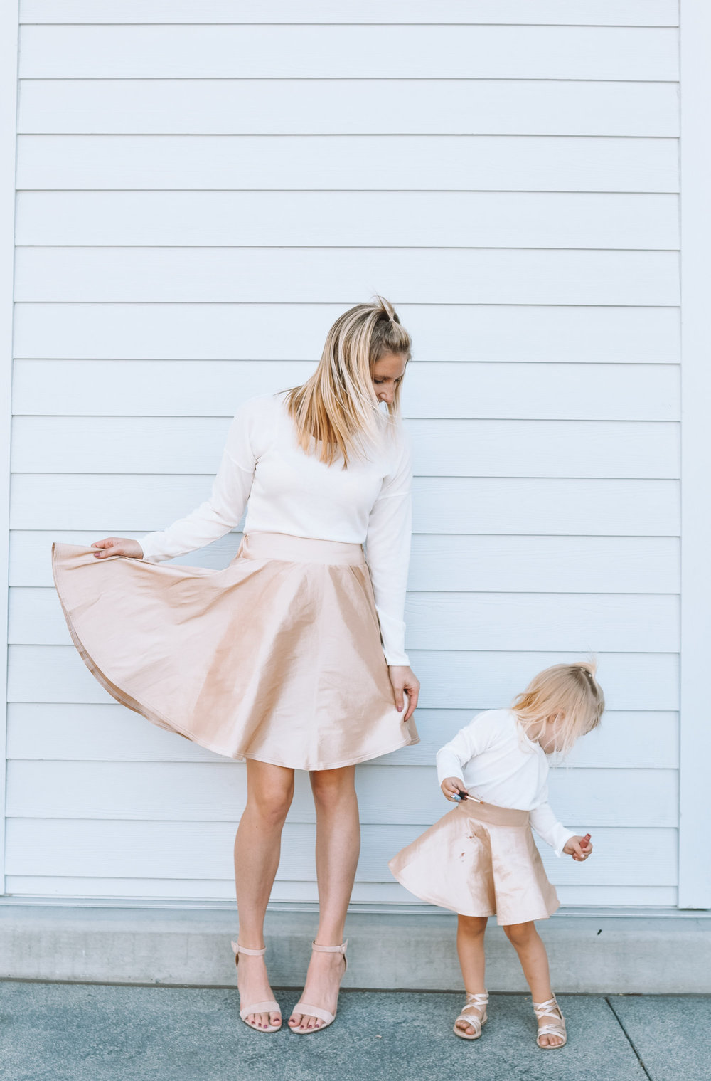 Mommy and Me Matching Holiday Dresses — The Overwhelmed Mommy Blogger