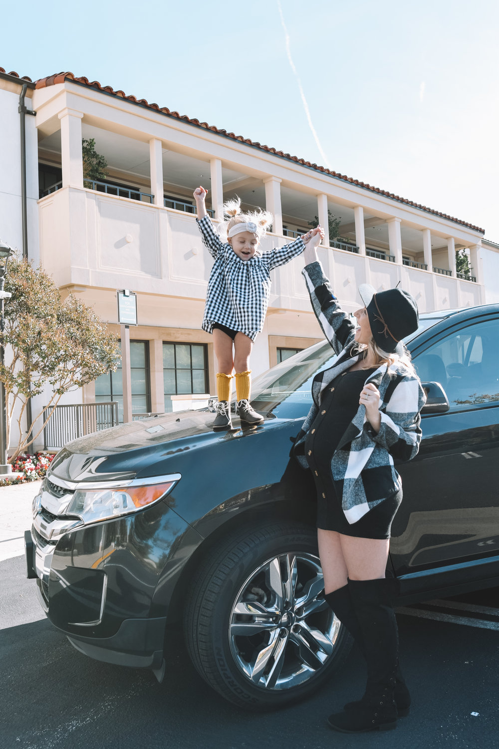 Best Mid Size SUVs for family of 5 -- Kelley Blue Book - The Overwhelmed Mommy Blogger