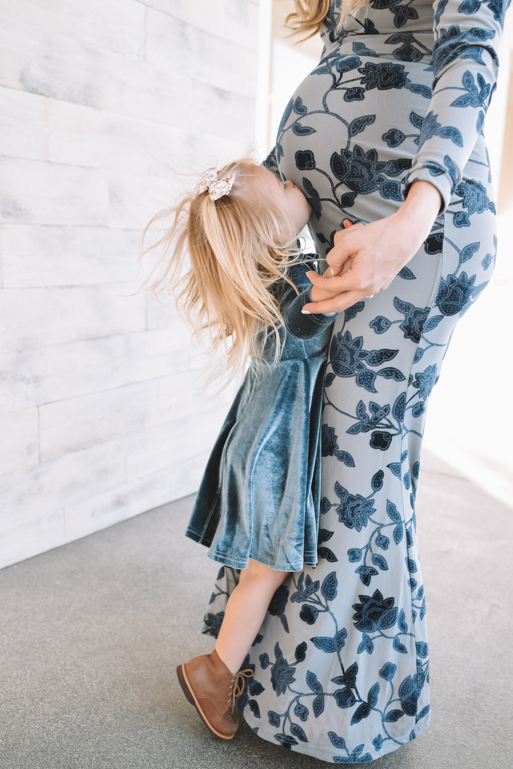 How I'm Parenting Differently with Baby #2 - The Overwhelmed Mommy Blogger