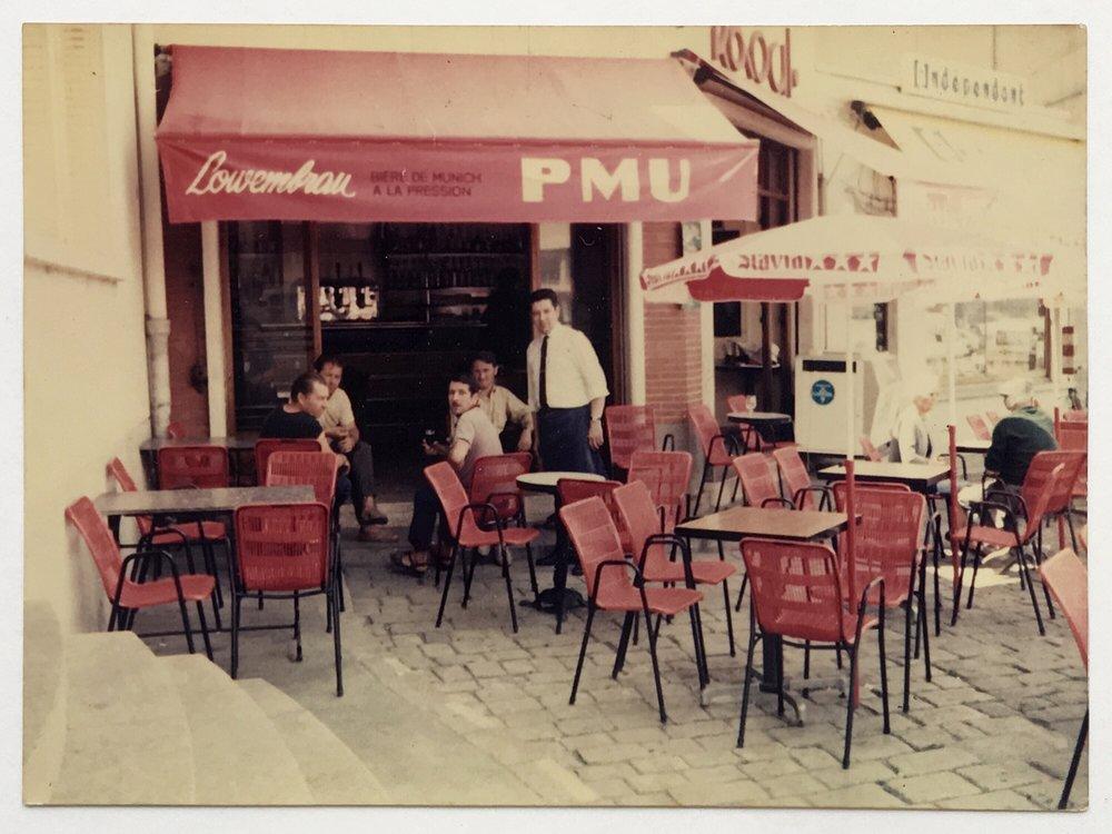 Raoul.Cafe.02.jpg