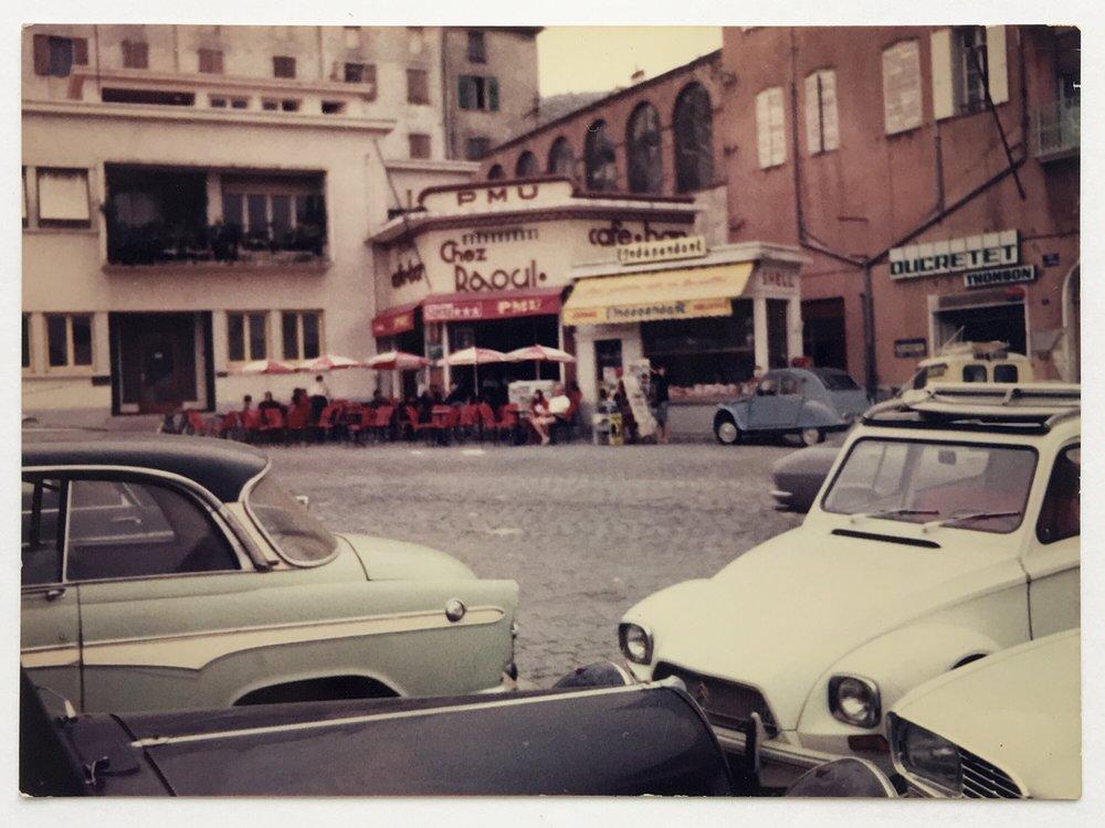 Raoul.Cafe.05.jpg
