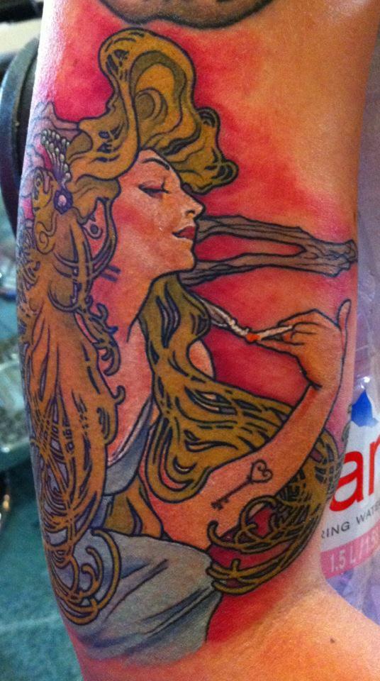 Mucha_tattoo_lady_color.jpg
