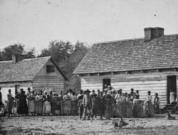 Slaves in Beaufort.jpg