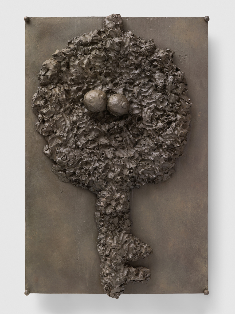 Armen Eloyan ' Key', 2016.Bronze,134 x 89 x 14 cm, ed. of 3 + 2AP.© Armen Eloyan,Courtesy Timothy Taylor