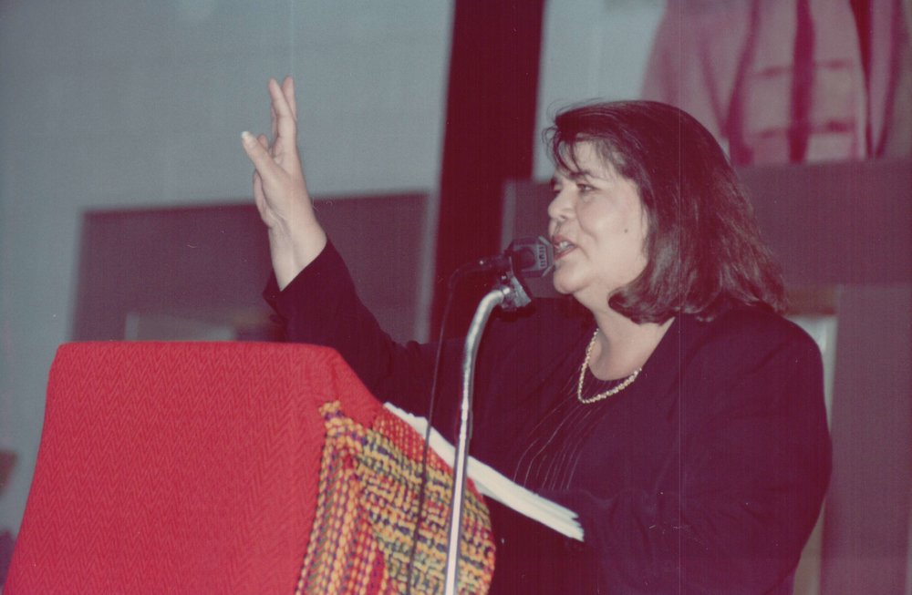 Wilma Mankiller gives a speech