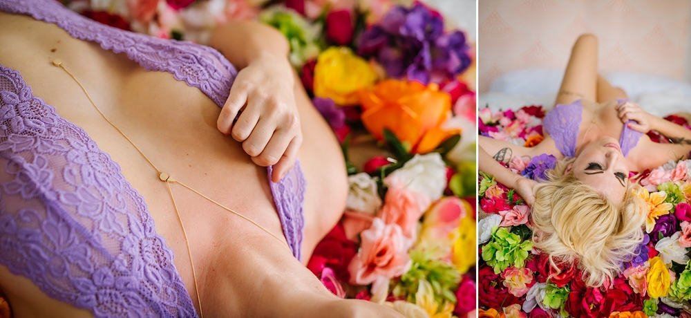 creative-hipster-boudoir-photos-tampa-studio-flowers-bathtub_0002.jpg