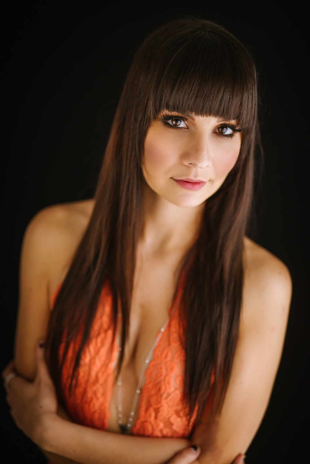 creative-hipster-boudoir-photos-tampa-studio-flowers-bathtub_0004.jpg