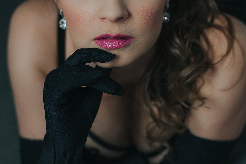 Dark-and-soultry-vintage-boudoir-16_blog.jpg