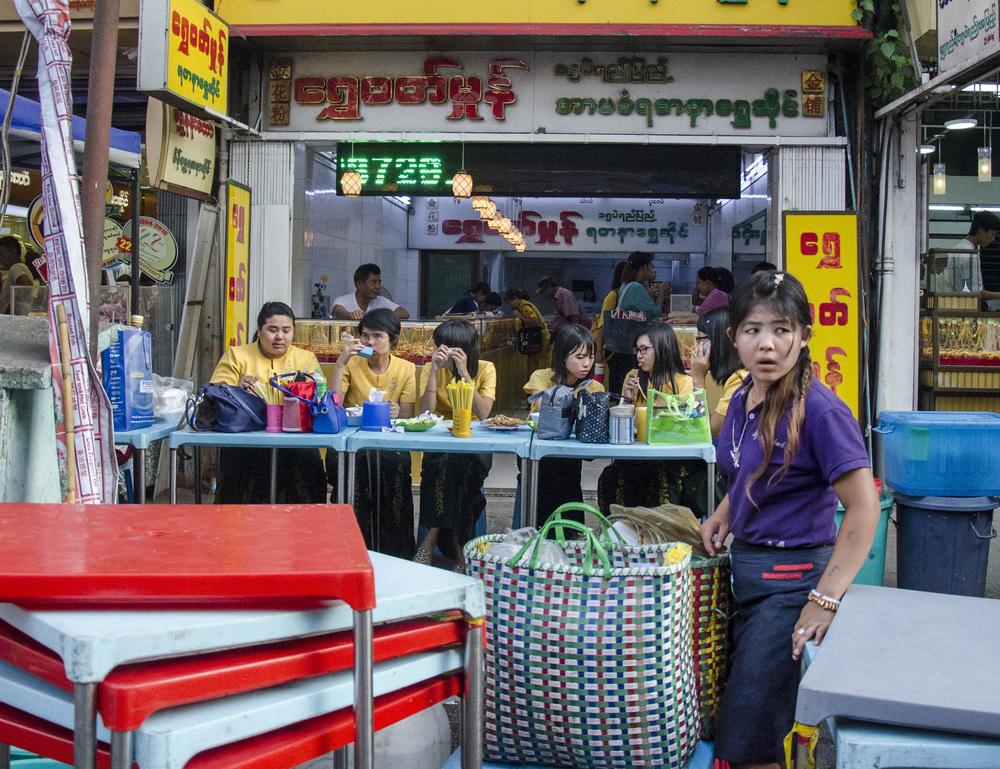 chinatown_yangon2.jpg