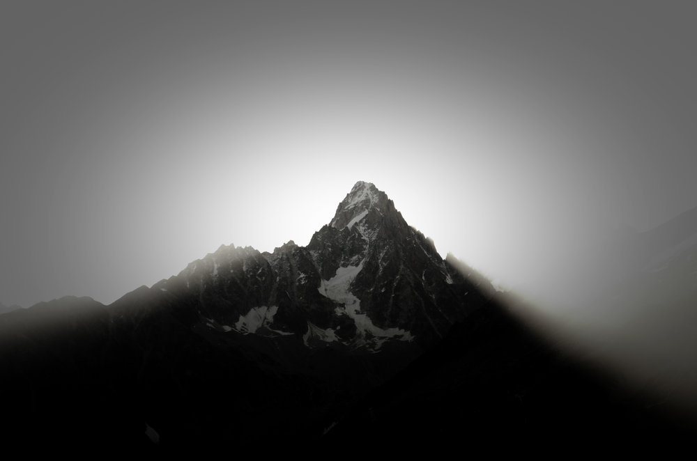 sunrise-in-the-french-alps_14870626770_o.jpg