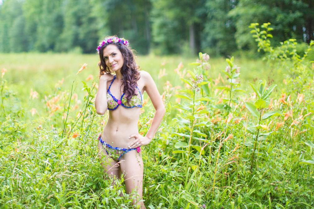 Amber-Floral-Bikini-Farm-Boudoir-0002.jpg