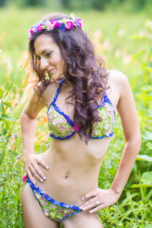 Amber-Floral-Bikini-Farm-Boudoir-0009.jpg
