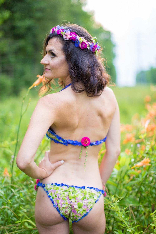 Amber-Floral-Bikini-Farm-Boudoir-0015.jpg