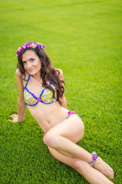 Amber-Floral-Bikini-Farm-Boudoir-0021.jpg